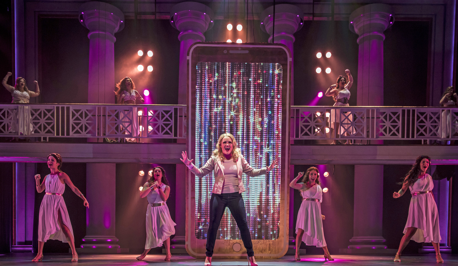 BWW Review: LEGALLY BLONDE at Paramount Theatre