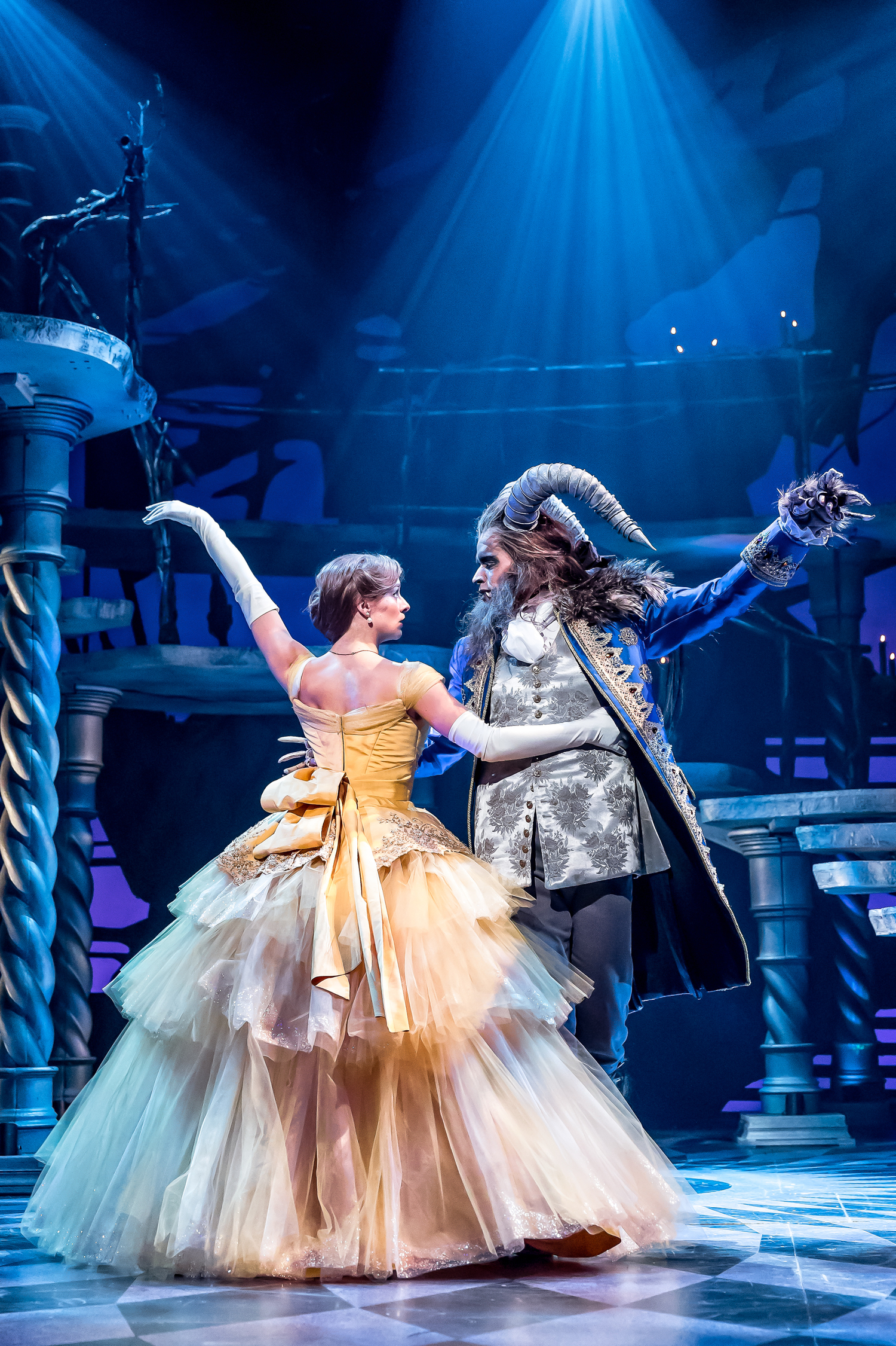 BWW Review: BEAUTY AND THE BEAST at Drury Lane Theatre