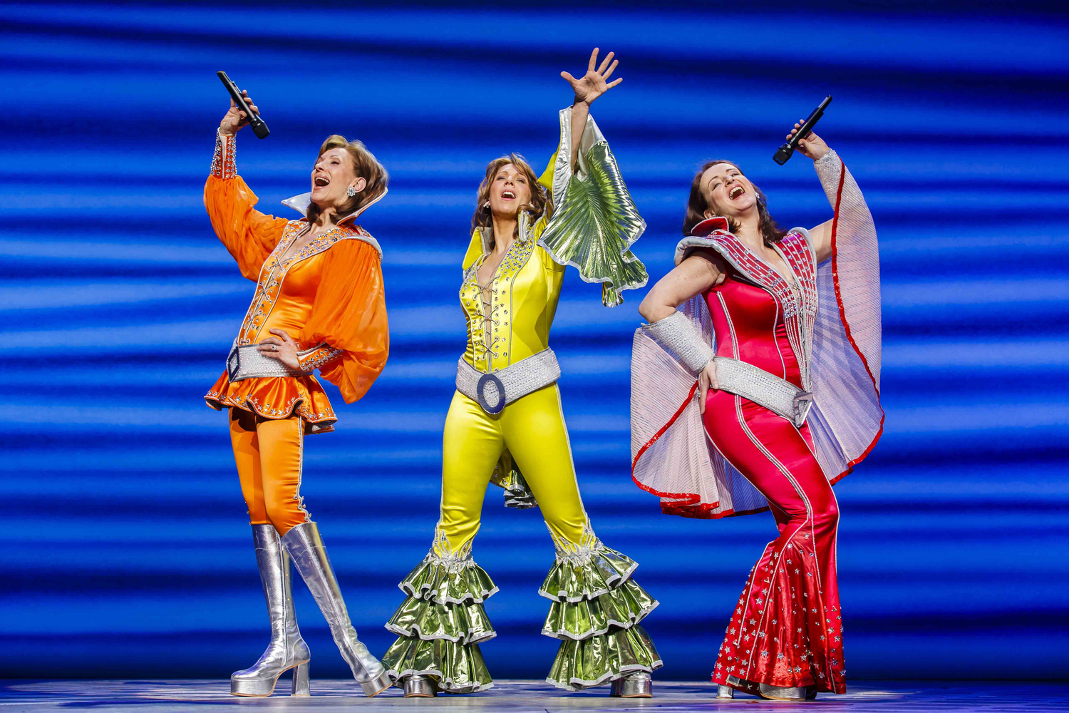 BWW Review: MAMMA MIA! Opens the Tour at the Landestheater Linz