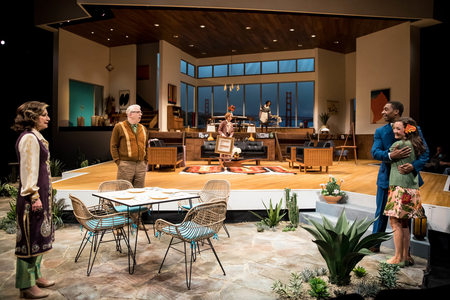 BWW Review: GUESS WHO'S COMING TO DINNER at The Guthrie