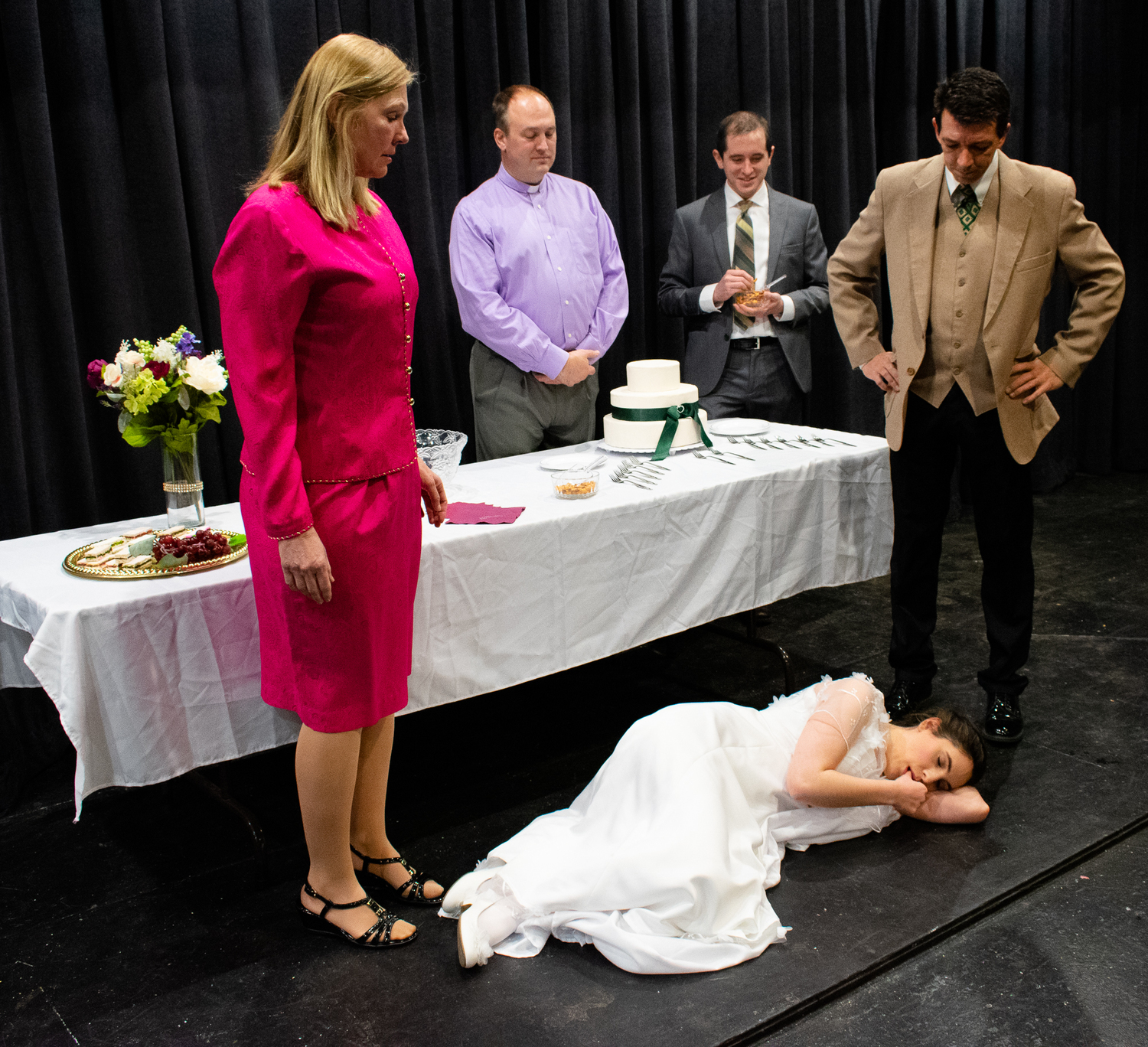 BWW Review: HAPPILY EVER AFTER: A WEDDING COMEDY at Ankeny Community Theatre-A Wedding Day to Remember