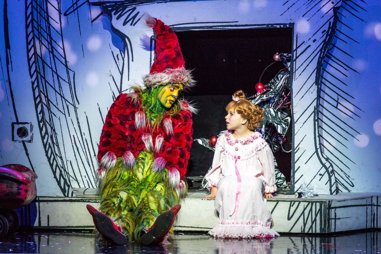 BWW Review: HOW THE GRINCH STOLE CHRISTMAS: THE MUSICAL Steals Hearts at Old National Centre