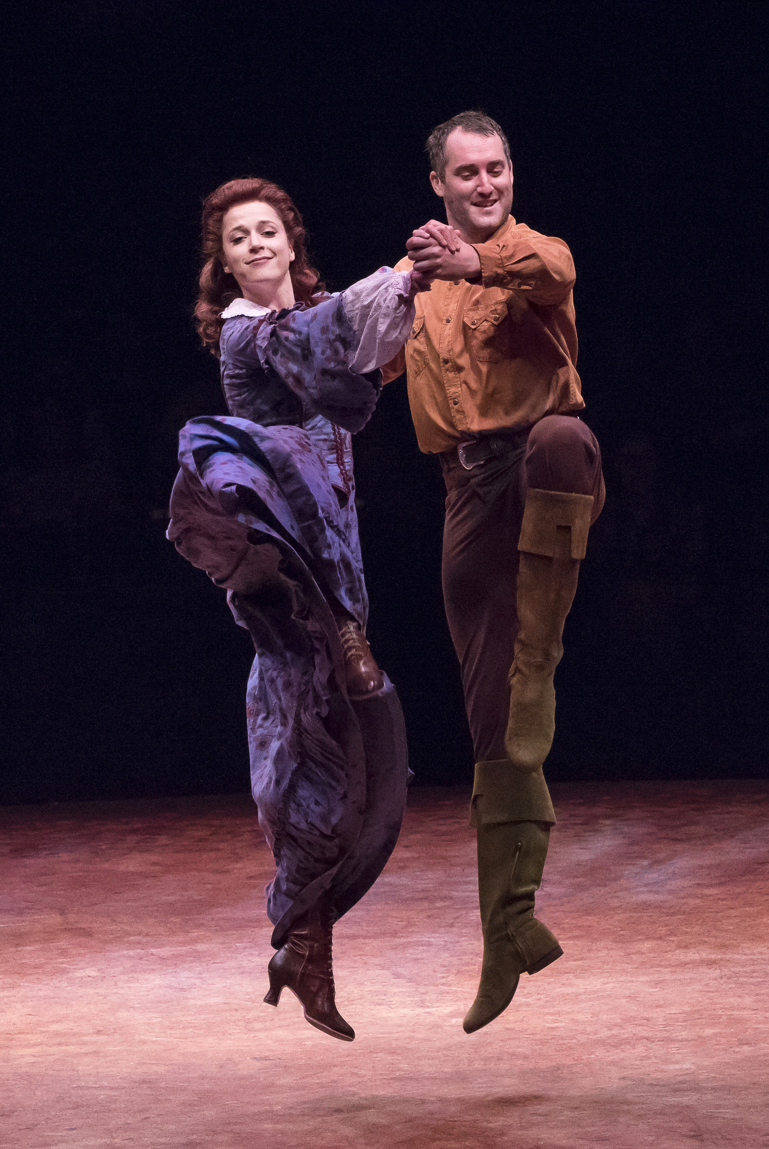 BWW Review: SEVEN BRIDES FOR SEVEN BROTHERS Dazzles at Broadway At Music Circus