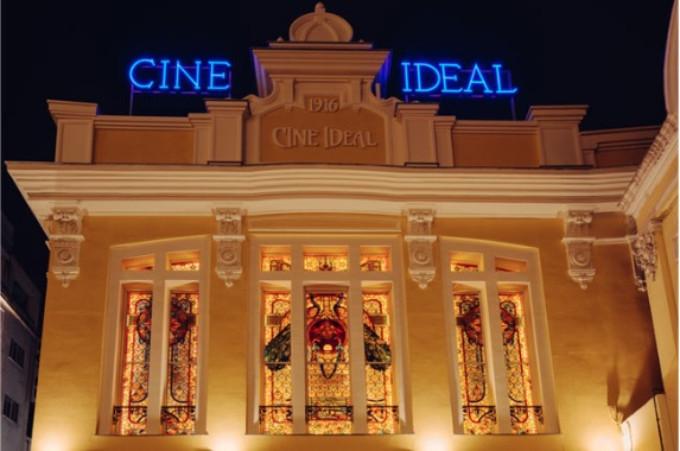 YELMO CINES IDEAL reabre sus puertas tras su reforma a tiempo para la temporada teatral