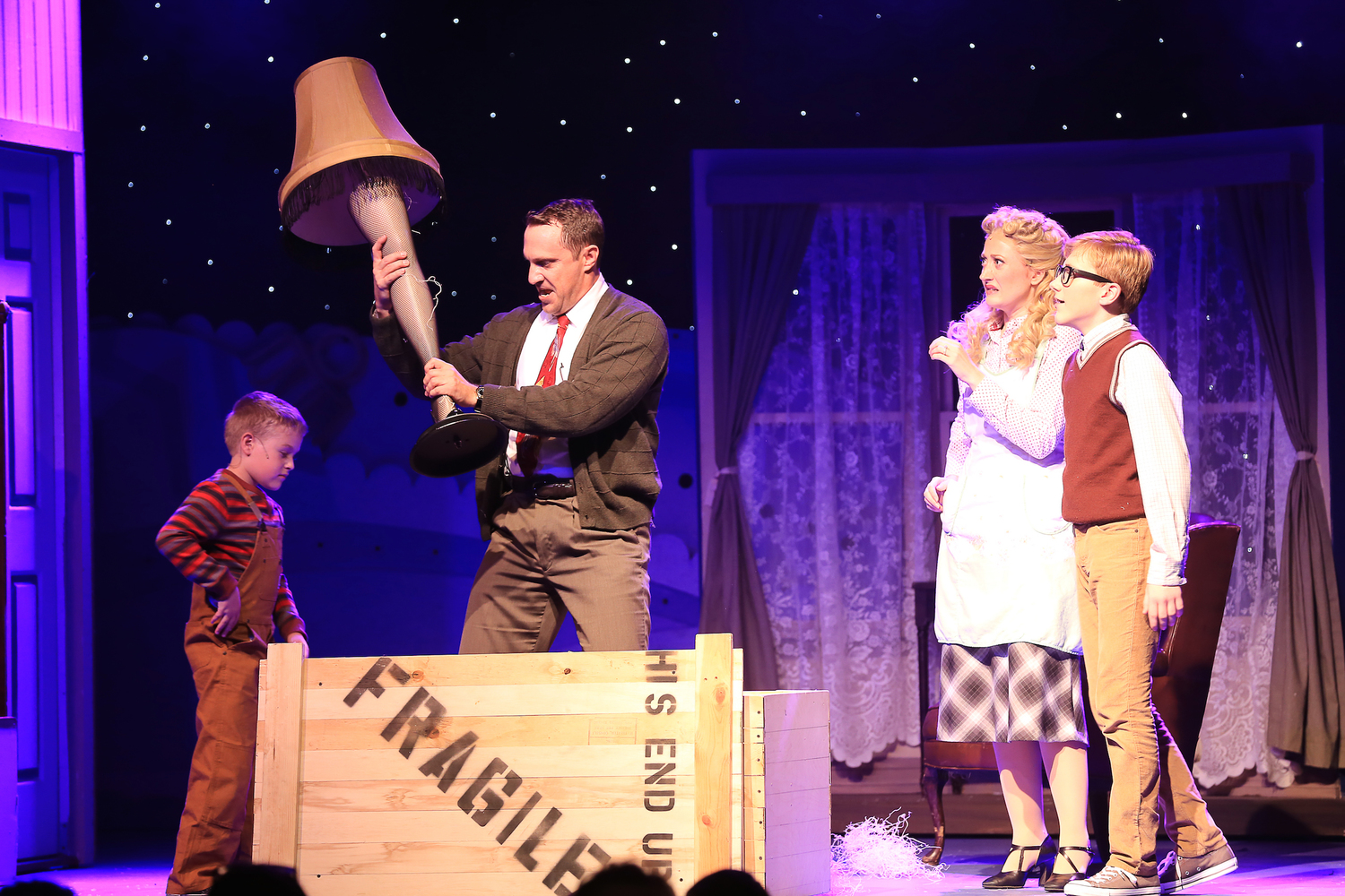 BWW Review: A CHRISTMAS STORY at Broadway Palm Brings Holiday Fun to All!