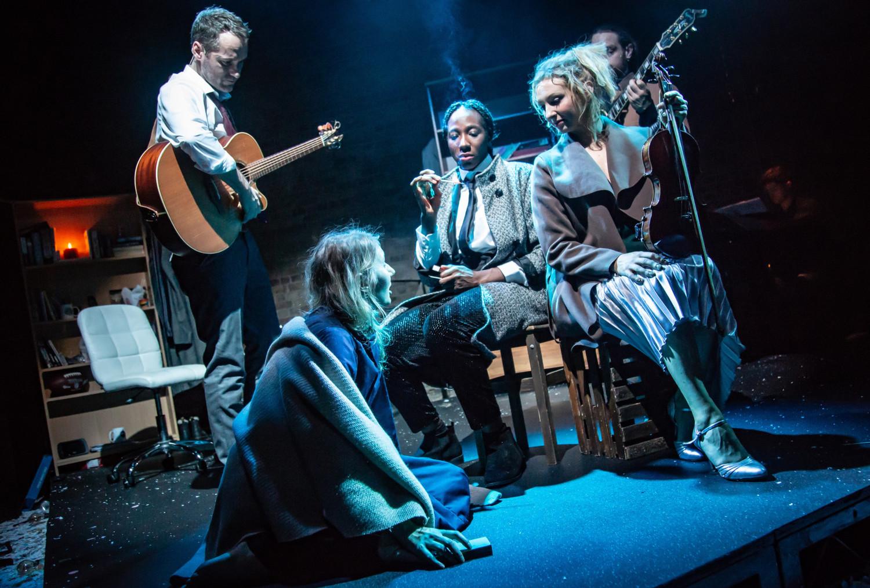 BWW Review: STRIKING 12, Union Theatre