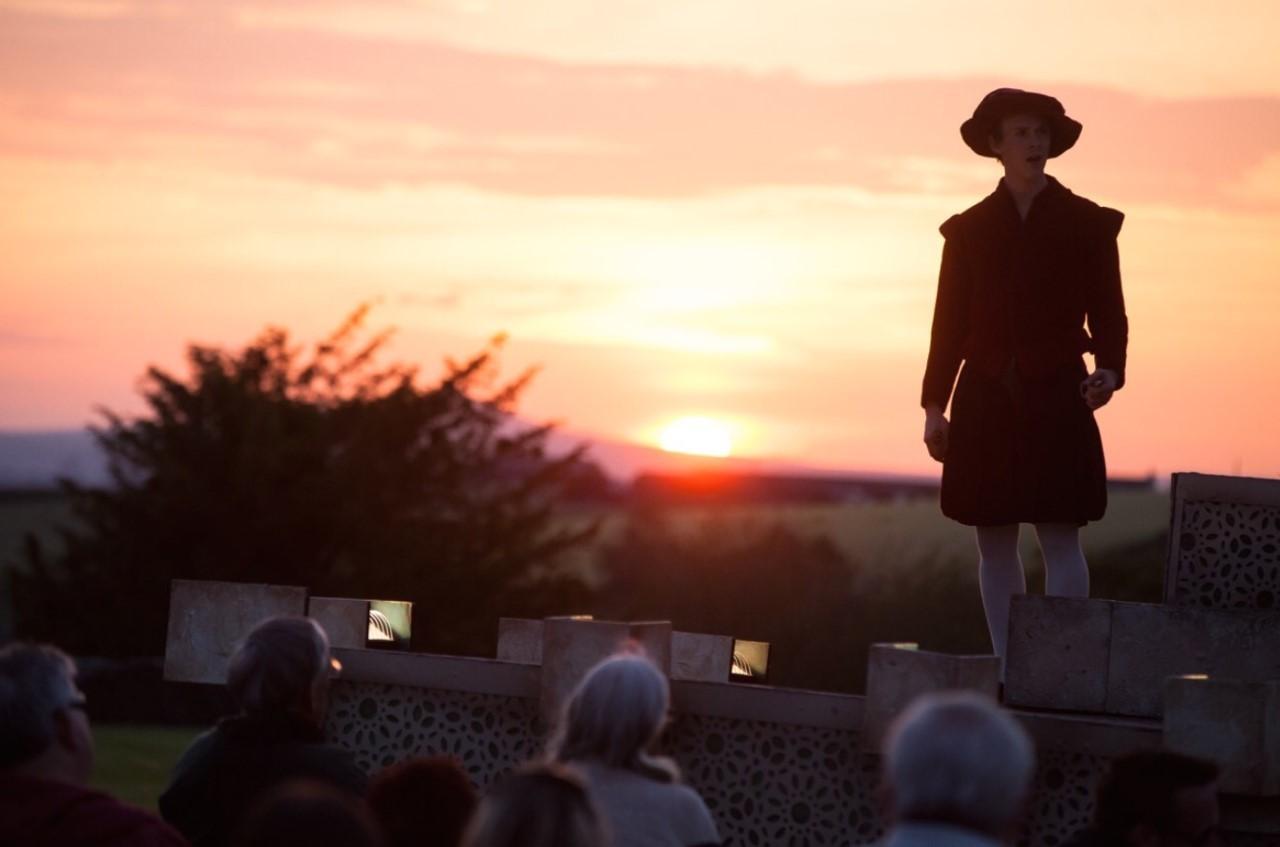 BWW Review: A MIDSUMMER NIGHT'S DREAM, St Nicholas' Rest Garden