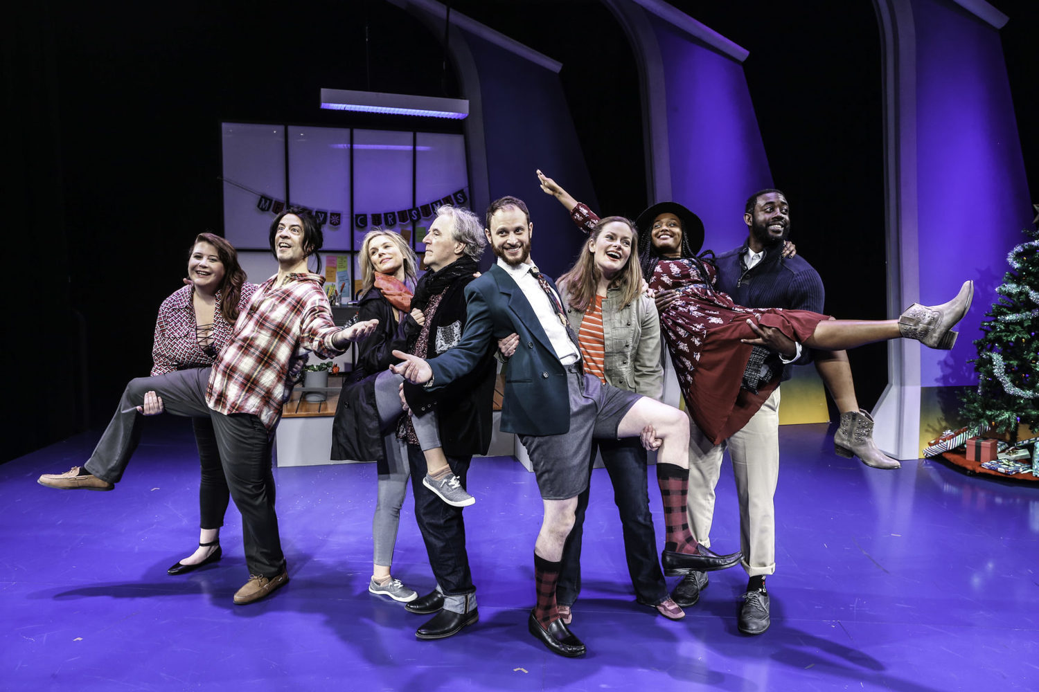 BWW Review: THE SECOND CITY'S LOVE, FACTUALLY at The Kennedy Center