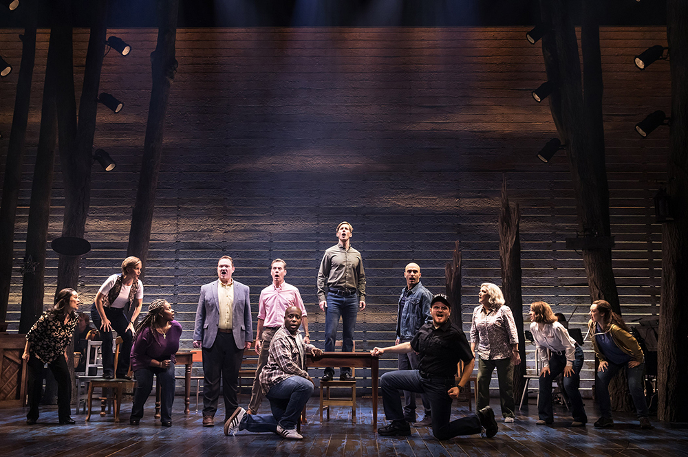 BWW Review: COME FROM AWAY soars at Saenger Theatre