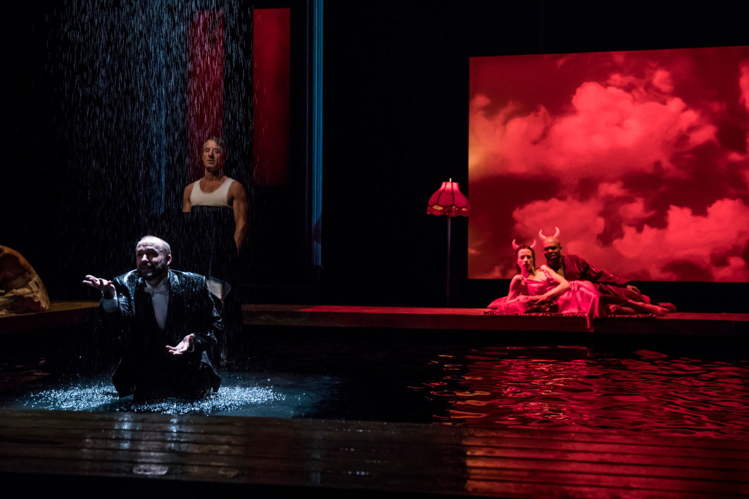 BWW Review: METAMORPHOSES at Guthrie