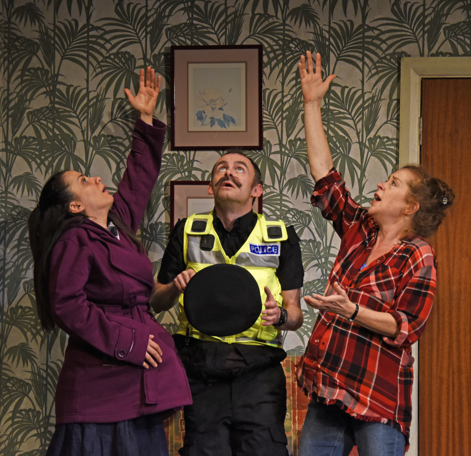 BWW Review: YOU DON'T PAY? WE WON'T PAY!, York Theatre Royal