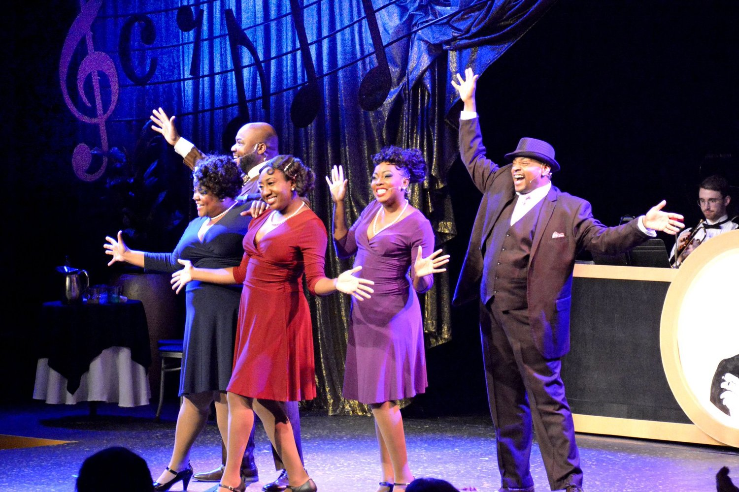 BWW Review: AIN'T MISBEHAVIN' at Alhambra Theatre And Dining