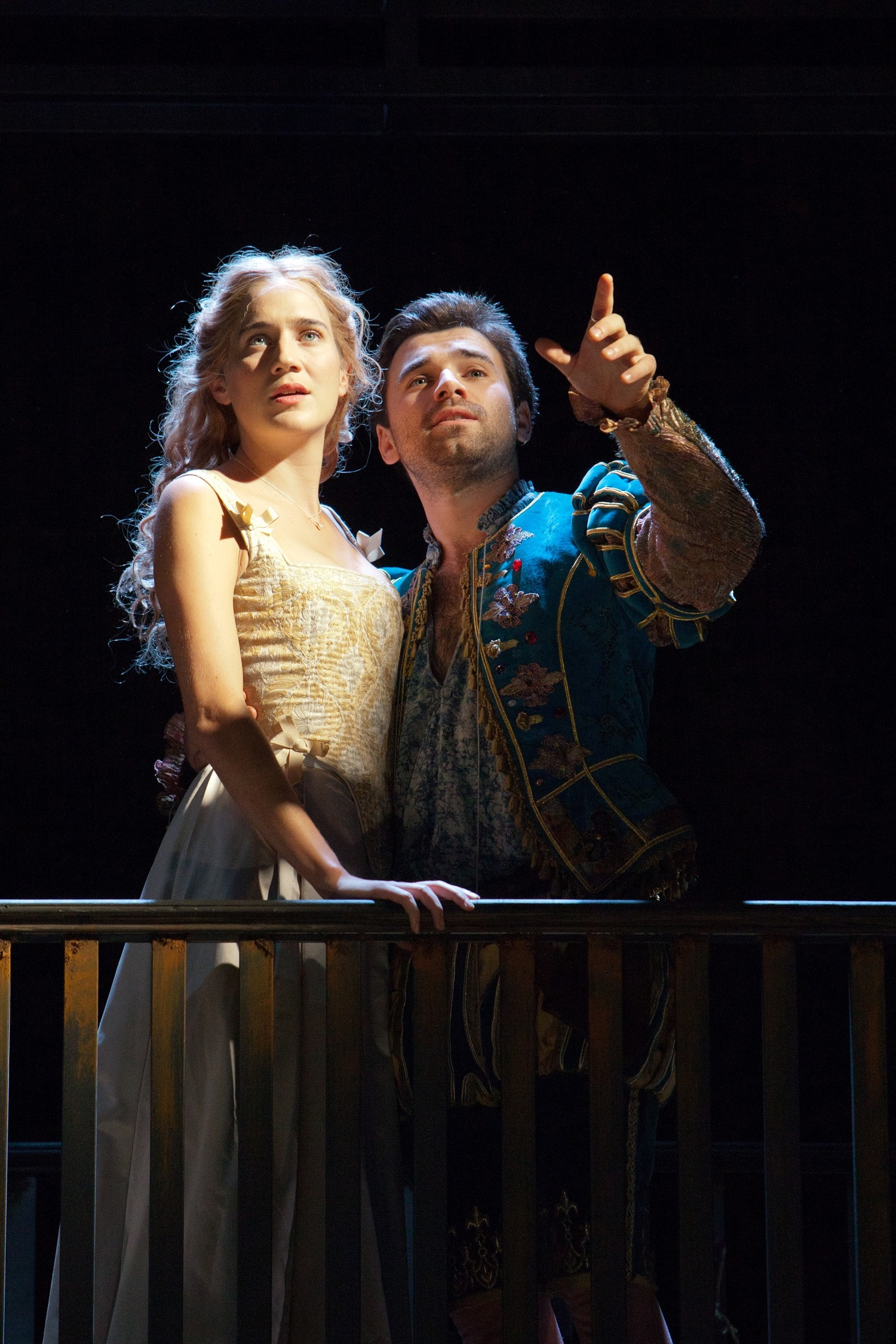 BWW Review: SHAKESPEARE IN LOVE, Theatre Royal Bath
