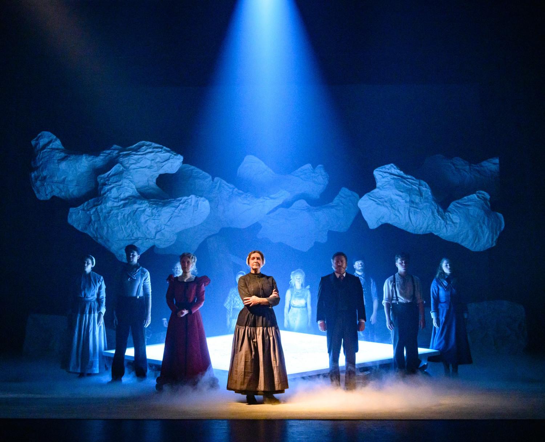 BWW Review: OP HOOP VAN ZEGEN at Zaantheater: ALL HOPE IS LOST...
