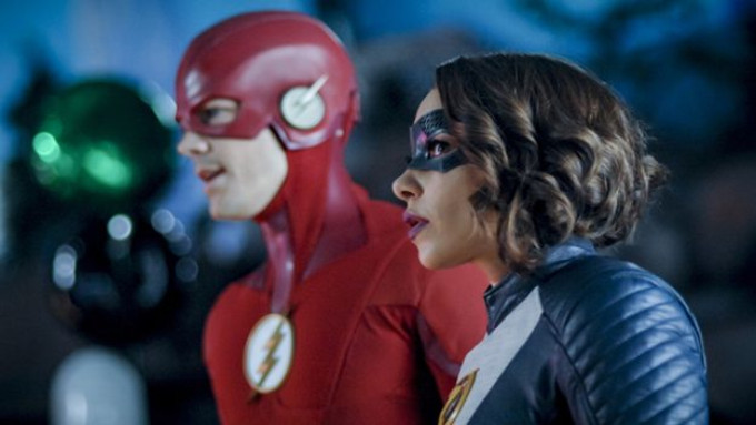 BWW Review: The Secret is Out on This Week's THE FLASH
