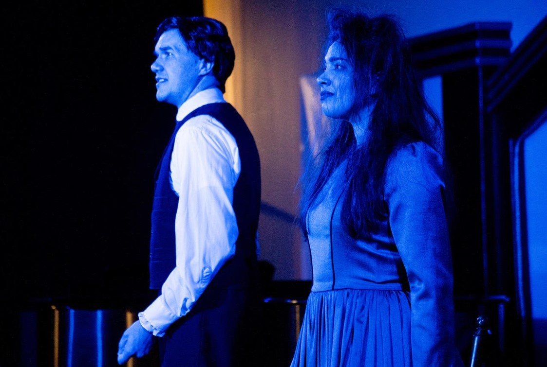 BWW Review: POE AND ALL THE OTHERS at Annapolis Shakespeare Company is a Creative Ghost Story about Baltimore's Favorite Storyteller