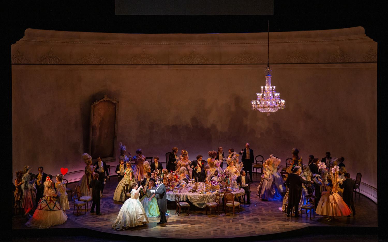 BWW Review: LA TRAVIATA at Lyric Opera Of Chicago