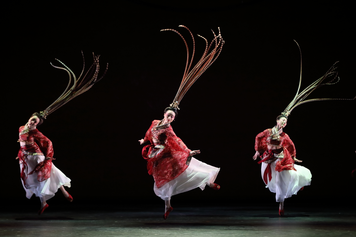 BWW Review: Hong Kong Dance Company regains her strength through BEAUTY BEYOND WORDS at Shatin Town Hall