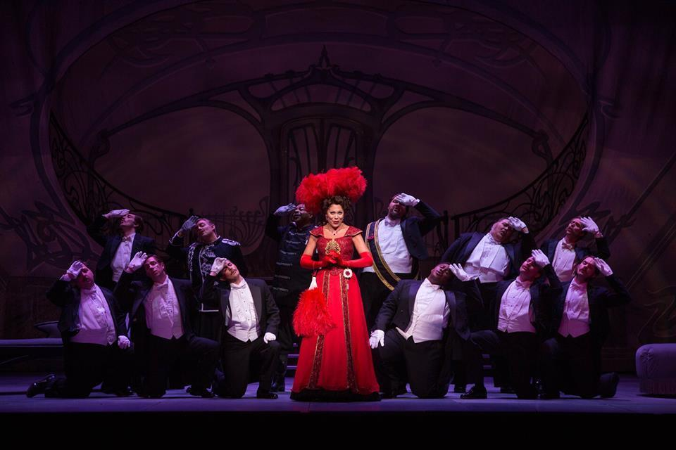 BWW Review: THE MERRY WIDOW Romances Milwaukee at The Florentine Opera Company