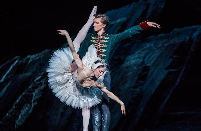 BWW Review: SWAN LAKE, Royal Opera House