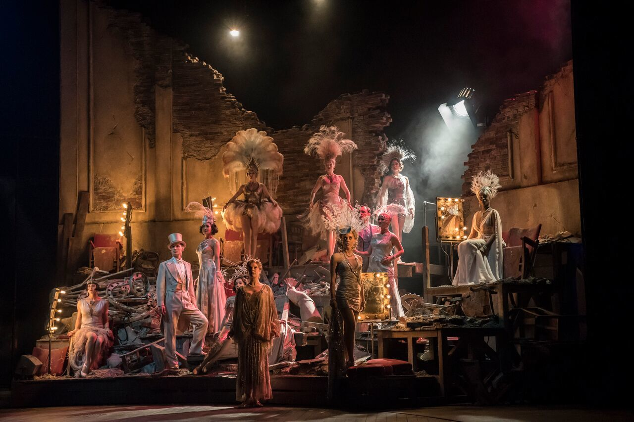 BWW Review: FOLLIES, National Theatre