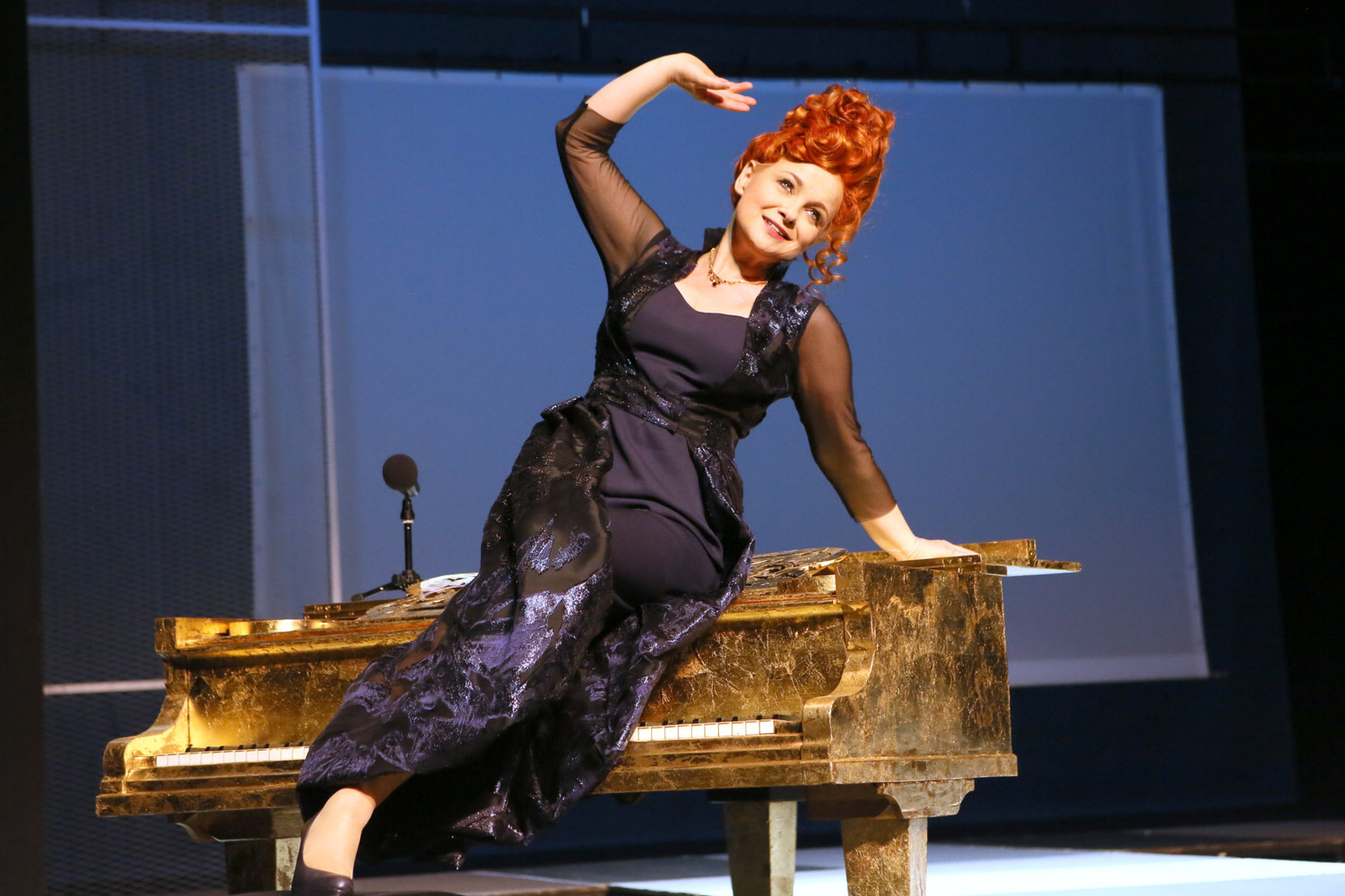 BWW Review: I CANNOT GET MARRIED  at TEATR POLSKI WROCLAW - I cannot stop laughing!