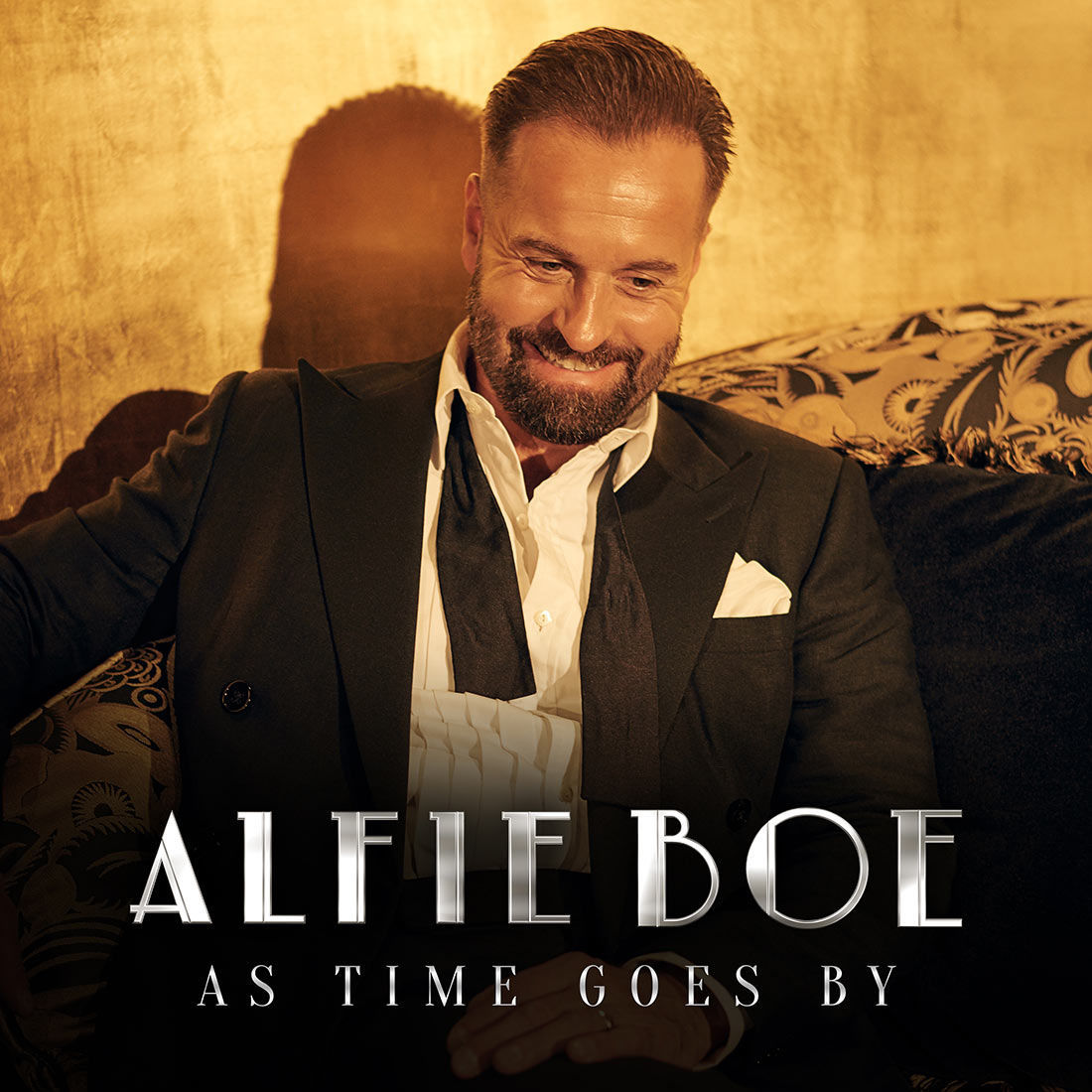 BWW Album Review: Alfie Boe's AS TIME GOES BY Is Full Of Old-Fashioned Elegance