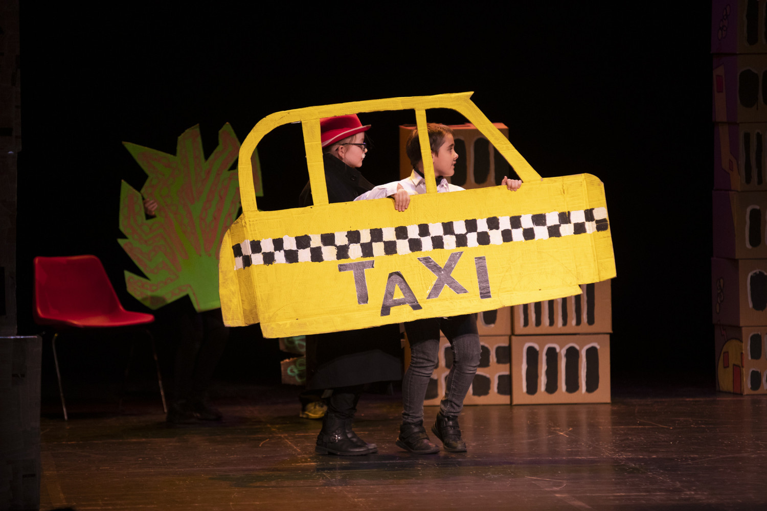 BWW Feature: EMIL AND THE DETECTIVES with National Theatre Let's Play at Theatre Royal Brighton