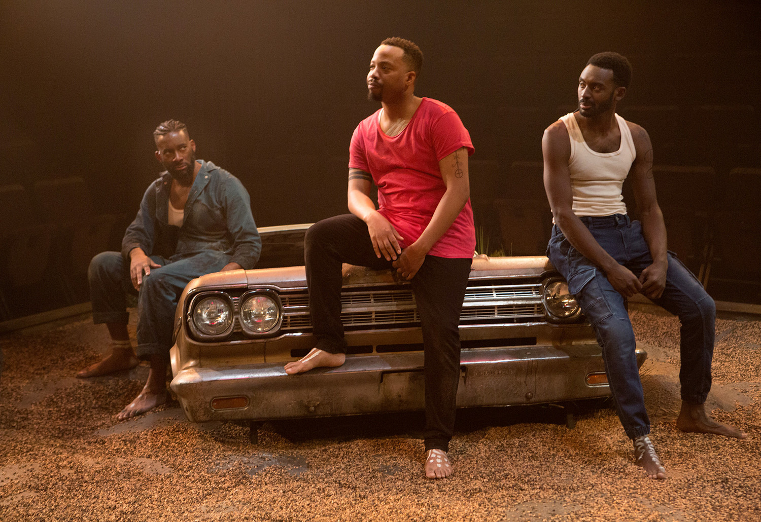 BWW Review: Familial Bonds and Tradition Ground THE BROTHERS SIZE in Moving Production