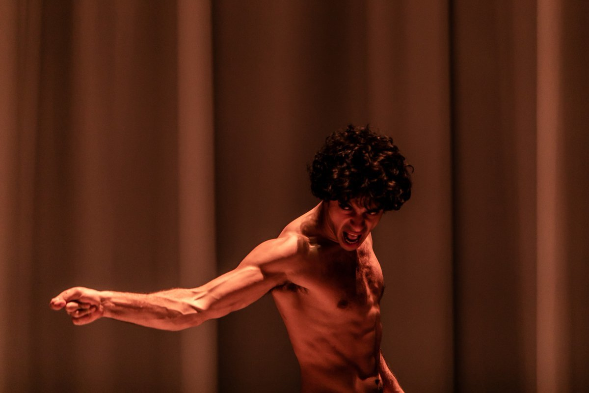 BWW Review: EQUUS, Theatre Royal Stratford East