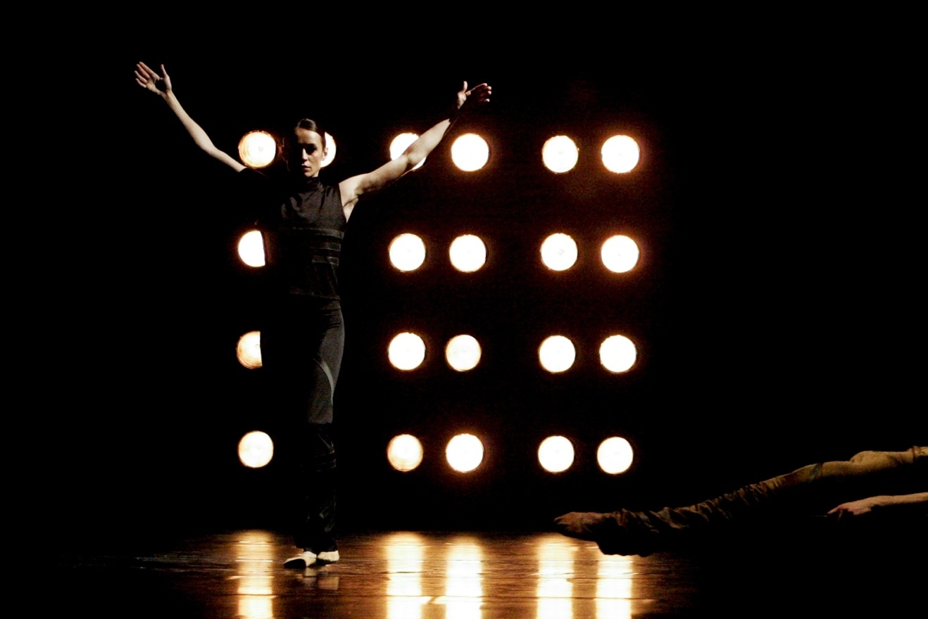BWW Review: Aah! MIRRORS at Festival Ballet Providence