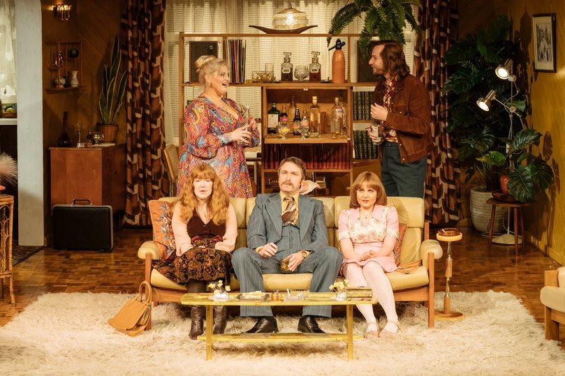 BWW Review: ABIGAIL'S PARTY, Theatre Royal Brighton