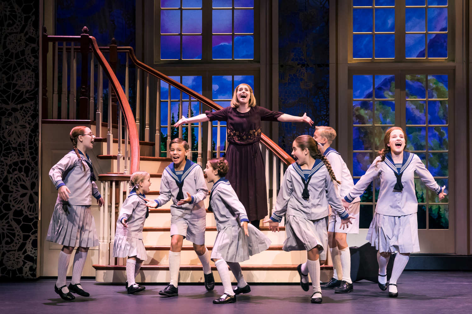 BWW Review: THE SOUND OF MUSIC National Tour Filled with Favorite Things