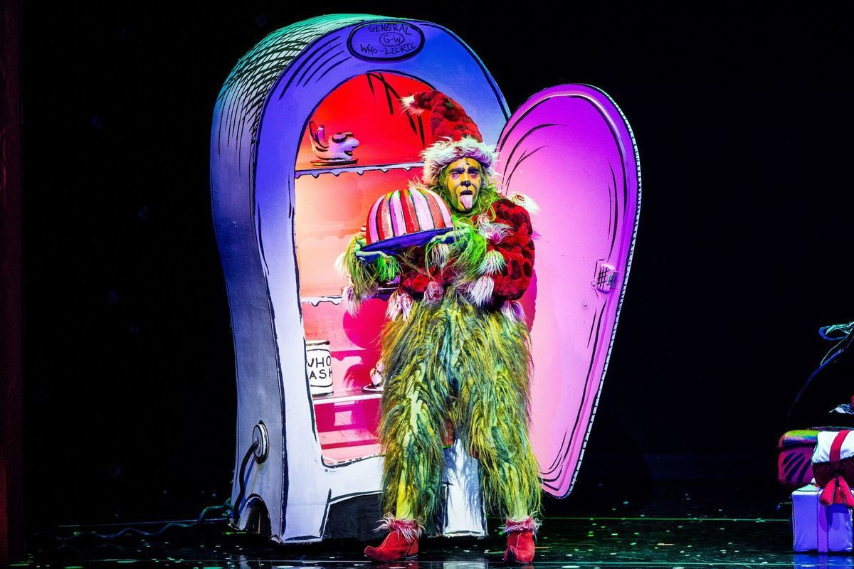 How The Grinch Stole Christmas Whos.Bww Review How The Grinch Stole Christmas The Musical At