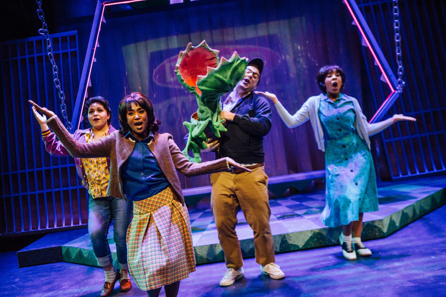 BWW Review: LITTLE SHOP OF HORRORS is in bloom at STAGES REPERTORY THEATRE