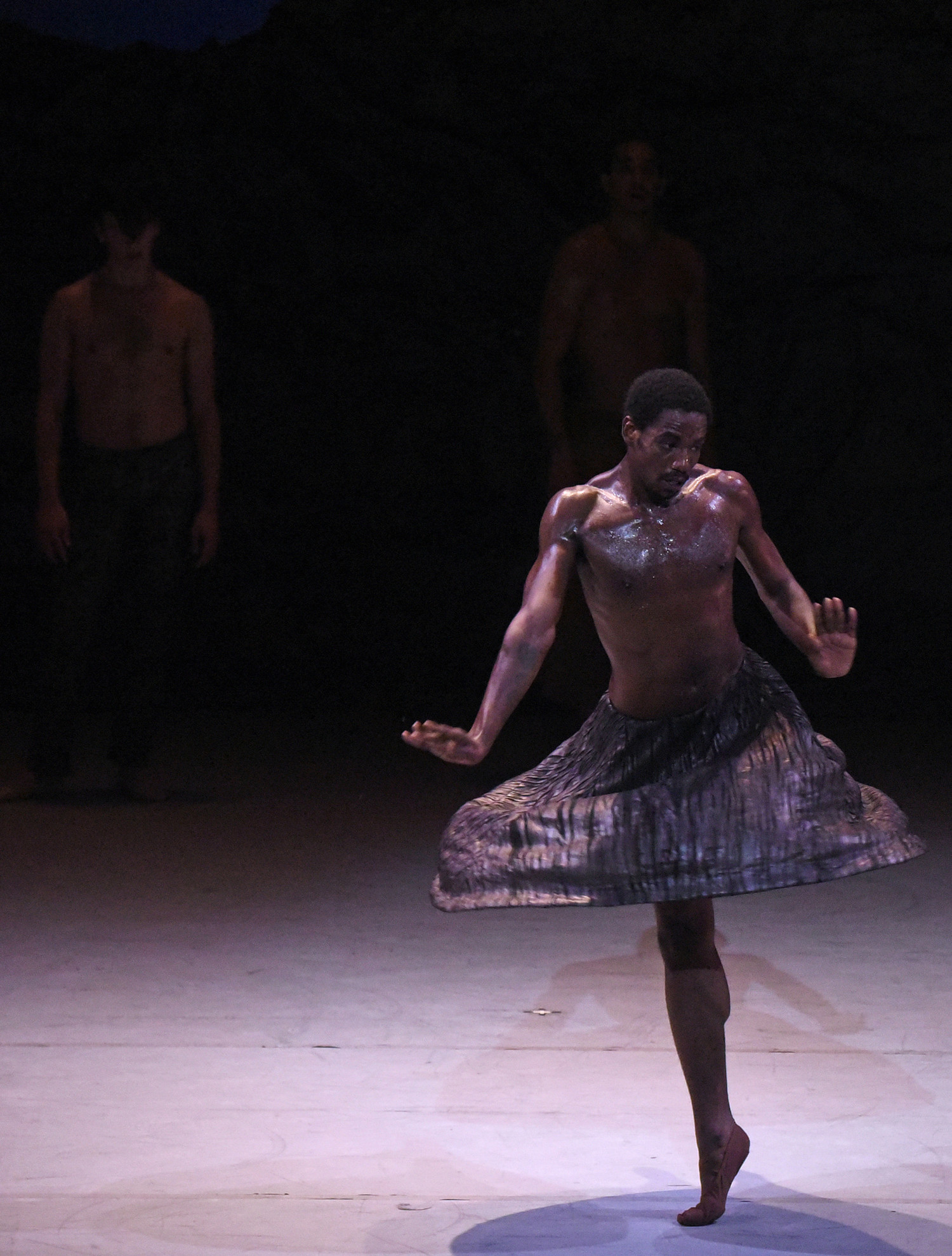BWW Review: ALONZO KING'S LINES BALLET PRESENTS SUTRA ~ COMBINING EAST AND WEST RHYTHMS AND MOVES at The Wallis Annenberg Center For The Performing Arts