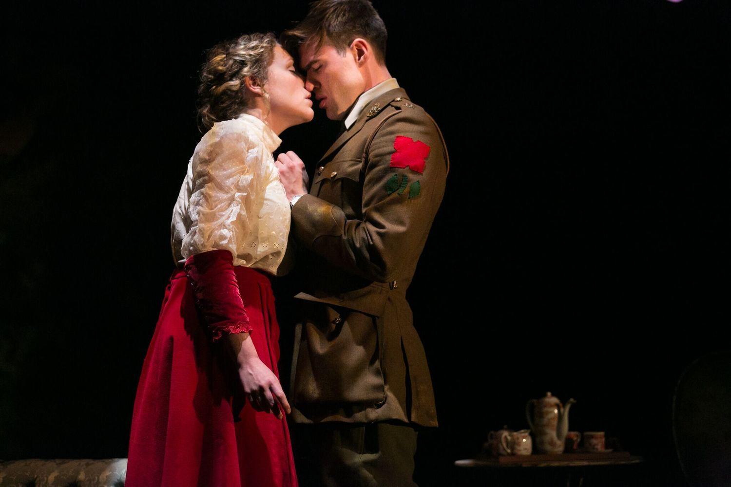 BWW Review: BIRDSONG, Bristol Old Vic