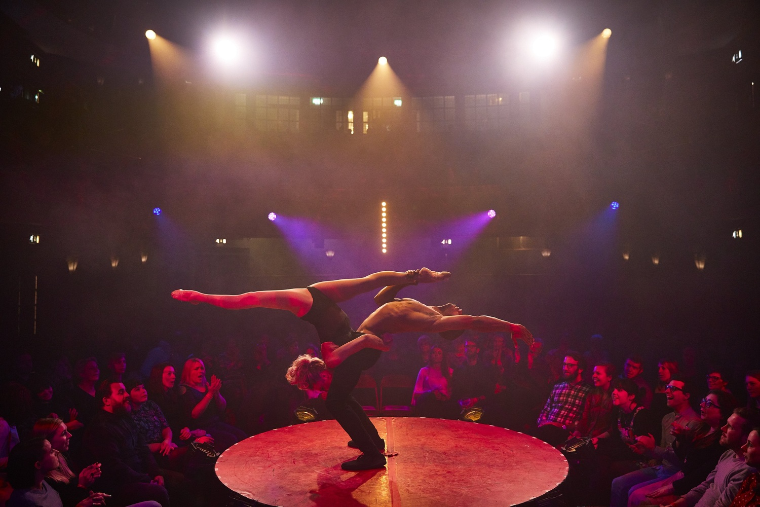 BWW Review: LA SOIREE at Aldwych Theatre