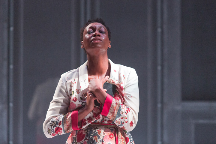 BWW Review: Soulpepper's ORLANDO is an Impressive, Existential Look into Identity