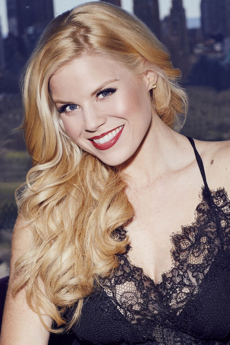BWW Interview: Megan Hilty Talks About Her Upcoming Tampa Cabaret, Career Advice and Motherhood