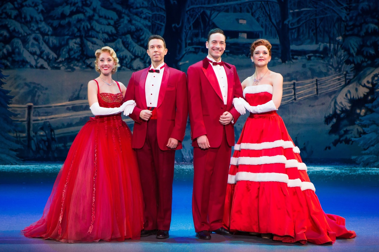 White Christmas Musical.Bww Review Irving Berlin S White Christmas The Musical At