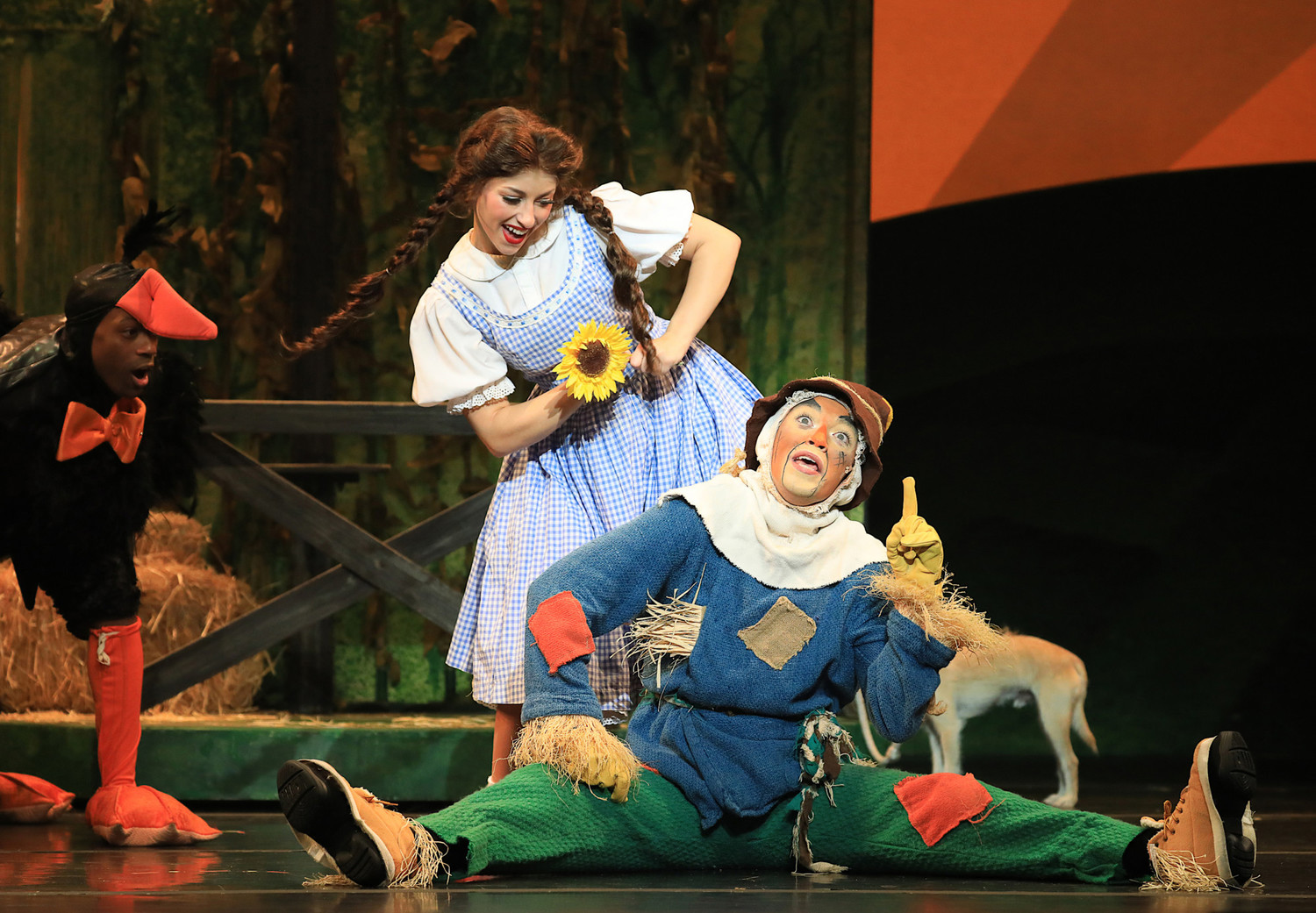 BWW Review: The WIZARD OF OZ at Tennessee Performing Arts Center Dazzles Audiences with Singing! and Dancing! and FUN! OH MY!