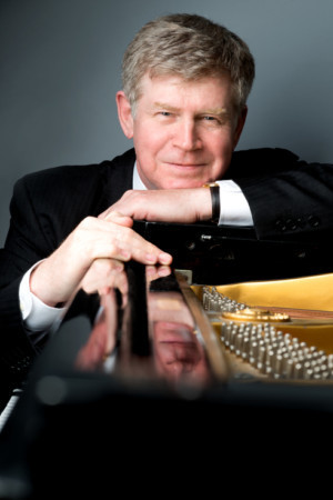 Internationally Lauded Pianist Ian Hobson To Appear At Zankel Hall