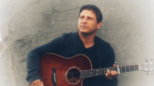Danny Kravitz To Give First Live Peorformance Of New Single 'Letting Go While Holding On,' In Concert With Shaun Colvin
