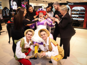 Jack And The Beanstalk S Dame Trot Visits Wolverhampton S