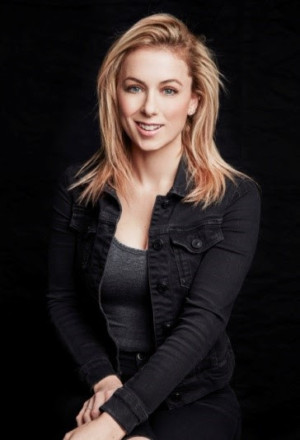 Iliza Schlesinger Returns To The Aces Of Comedy Series, Today