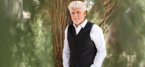 Michael McDonald Celebrates the Season Of Peace with Holiday & Hits Tour