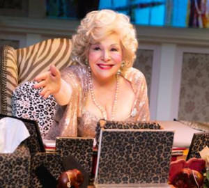 Renee Taylor Wins 2018 United Solo Special Award For MY LIFE ON A DIET
