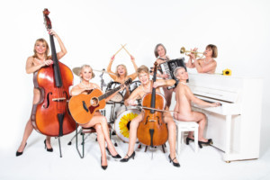 New Cast Announced For the Tour of CALENDAR GIRLS THE MUSICAL