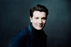 Internationally Renowned Pianist Debuts With The Sydney Symphony Orchestra